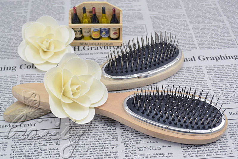 Combs, wigs & hair accessories